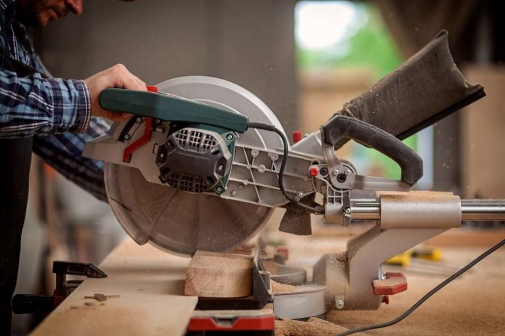 standard miter saw